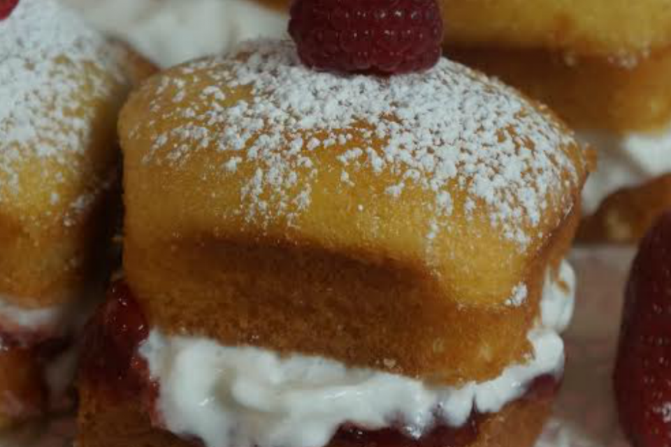 Sugar-Free Victoria Sponge Cakes Recipe by The Diabetic Pastry Chef™